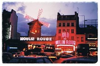 //15/4c/402/2f - Bar du Moulin rouge, Paris, France 1987