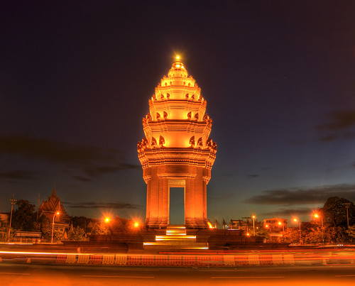 Independence Monument - Phnom Penh, Cambodia | by ethan.crowley
