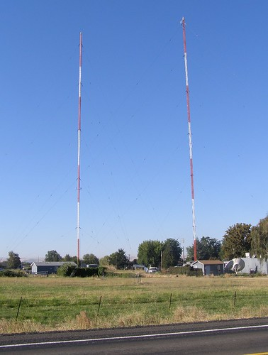 KUJ radio towers along Highway 12 west of Walla Walla, WA. | by theslowlane
