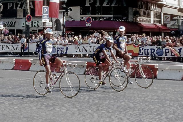 Tour de France 1992 - Festina survivors.  One sees the camera.