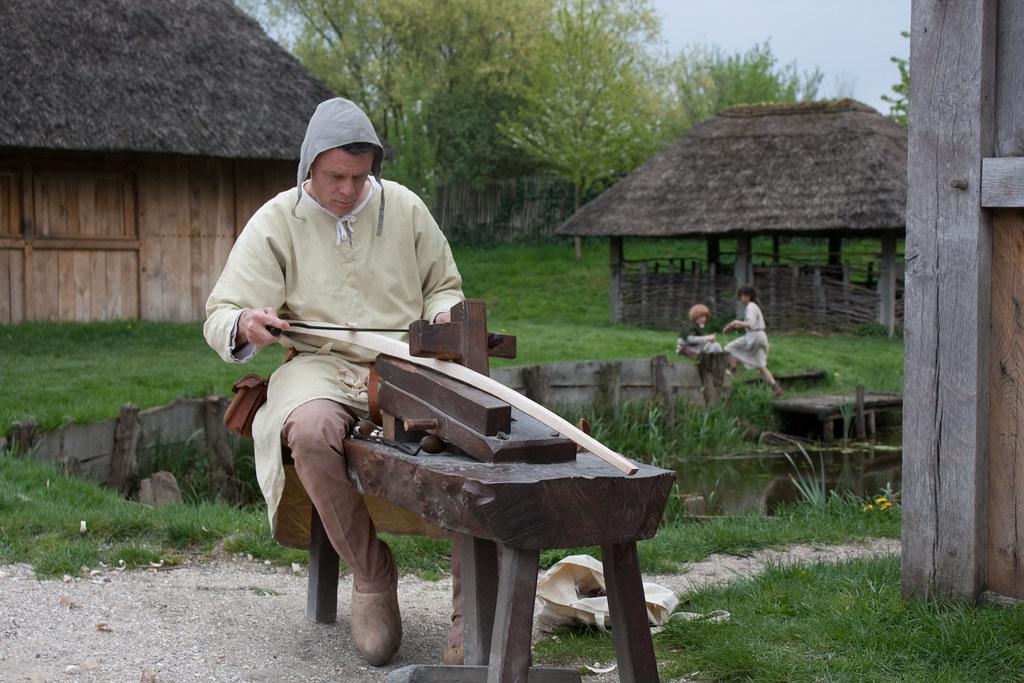 medieval bowmaker | Hans Splinter | Flickr