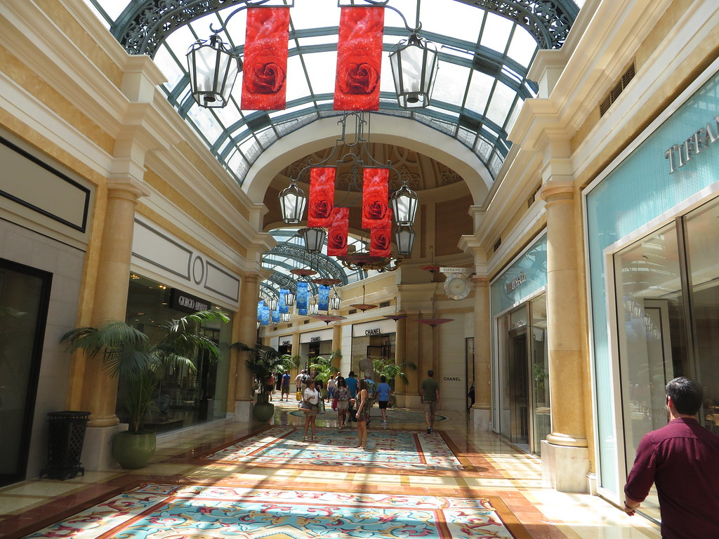 Upscale Shops And Restaurants Bellagio Las Vegas Nevada