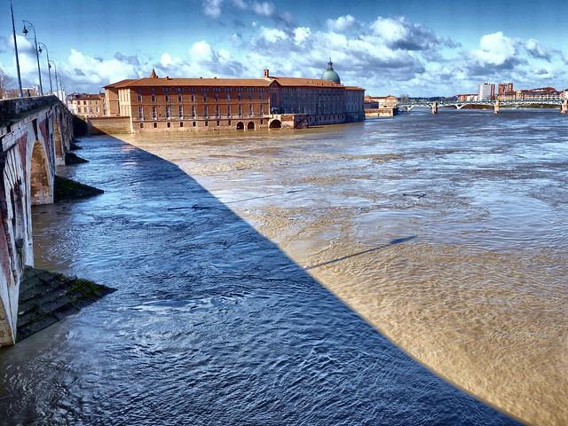 #Toulousenvues - Quand la Garonne s'énerve