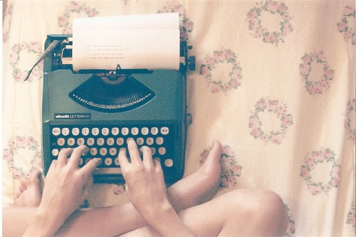 typewriter | by Lívia Cristina