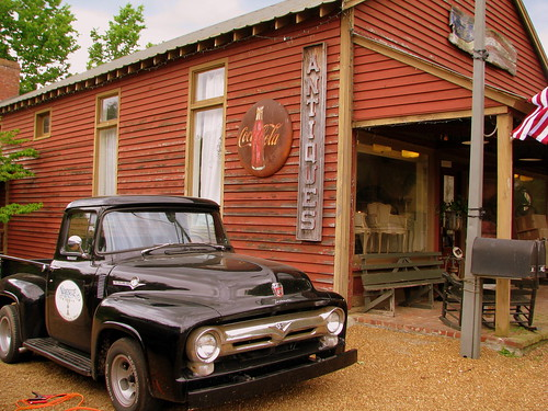 Leipers Fork 3 - Serenite Antiques | by SeeMidTN.com (aka Brent)