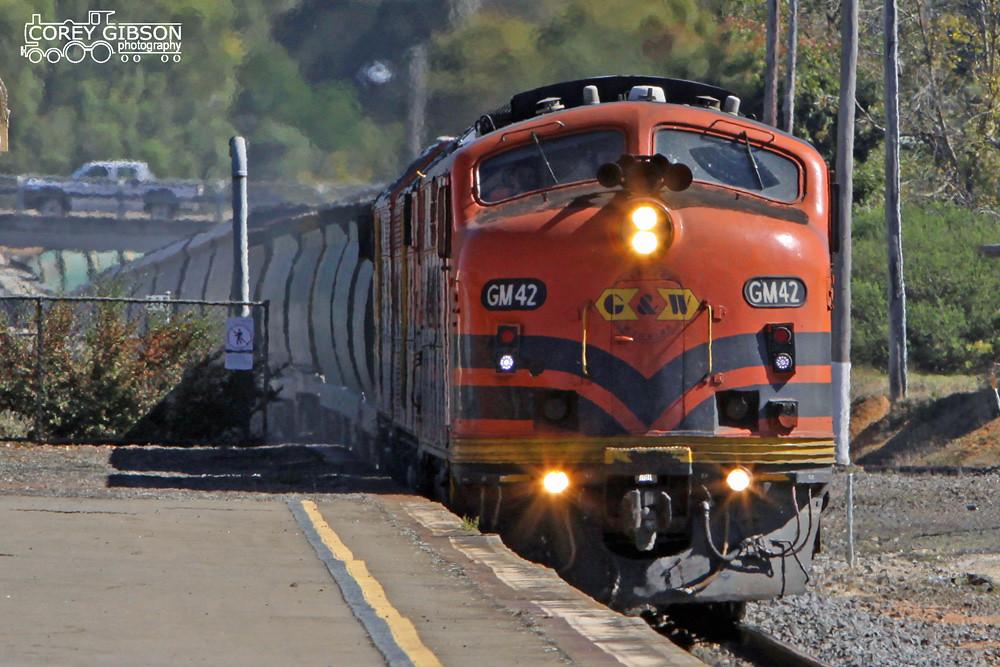 GM42, CLP17 & CLP8 run through Ararat by Corey Gibson