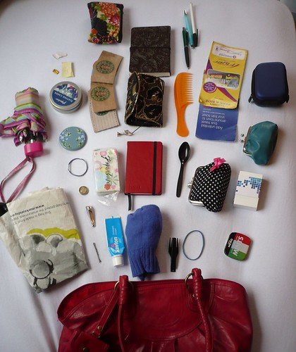 What's in your bag? | by dichohecho