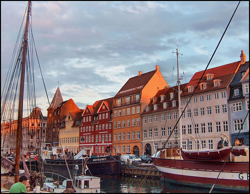 houses sunset sky boats soe channel mywinners abigfave citrit goldstaraward rubyphotographer vanagram leuropepittoresque