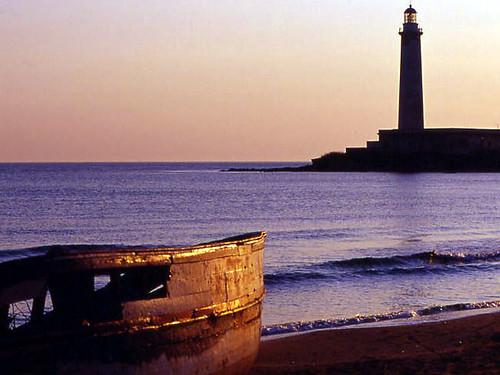 sunset sea lighthouse faro boat barca tramonto mare supershot kartibubbo platinumphoto granitola rgsmare rgsscorci
