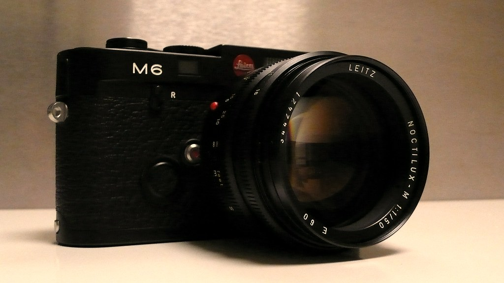 Leica M6 Noctilux 50 mm f1 0   Leica Solms edition with