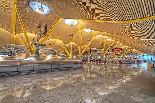Barajas Madrid Airport T4, Landside HDR