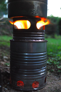 Batch-loaded, inverted down-draft gassifier wood stove | by Gary Allman