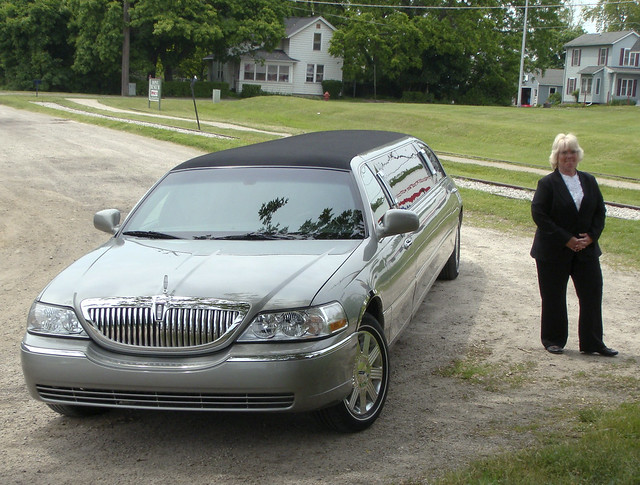 Saline Rail Wedding Limo