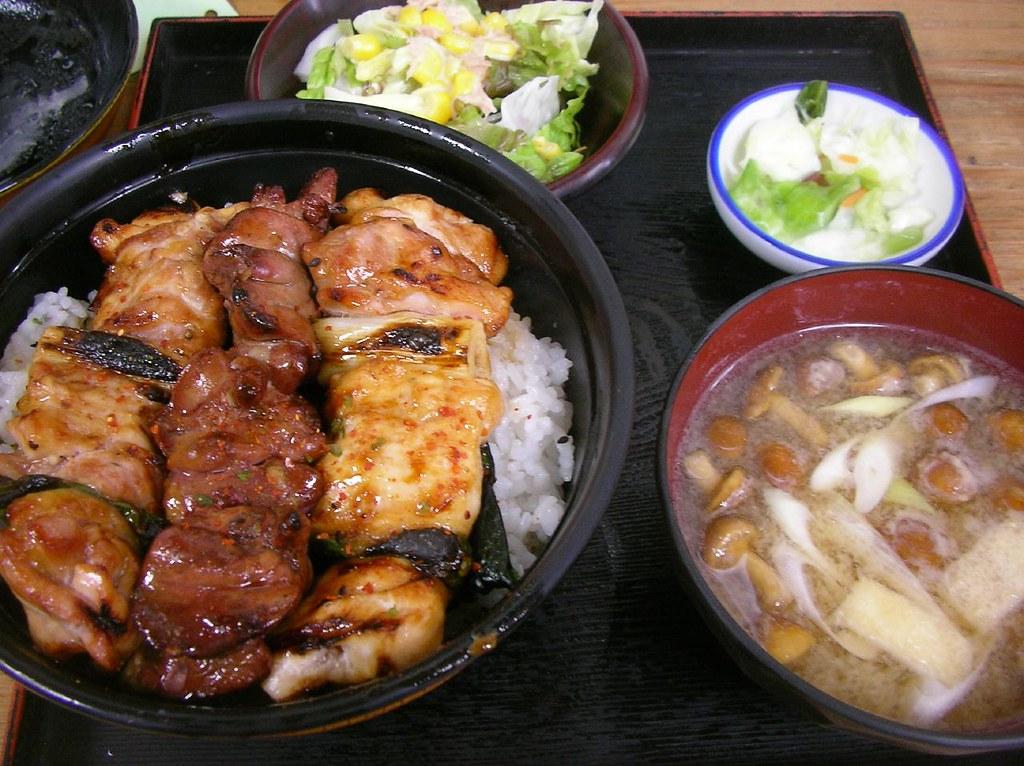 Yakitori-don @ Toritake 焼き鳥丼(鳥竹)