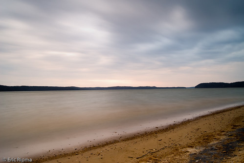 longexposure lake clouds sunrise lakemonroe monroecounty staterecreationarea paynetown ericripma