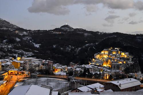 neve snow inverno winter sera lagonegro lucania basilicata appennino panorama borgo italia italy
