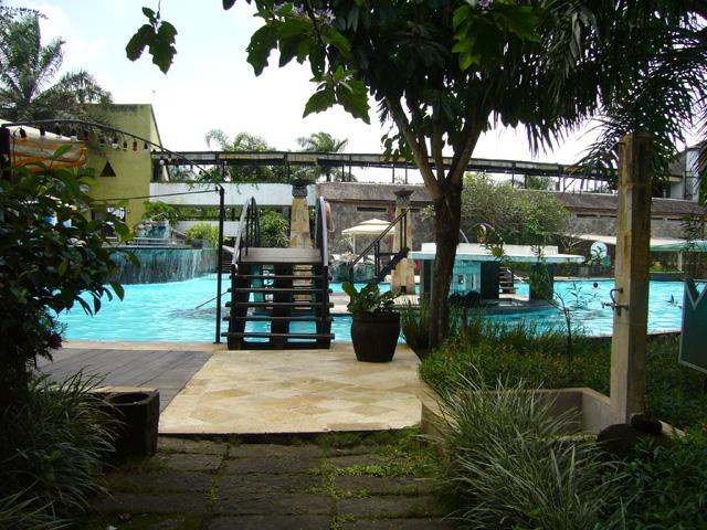Kolam Renang 1 Salah Satu Sudut Klub Bunga Hotel Resort Flickr