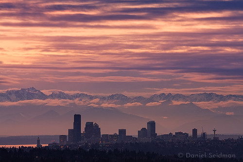 seattle city sunset mountains colors night clouds washington cityscape skyscrapers telephoto spaceneedle pugetsound olympic peninsula bellevue mountainrange olympicmountains 100300mm canon40d somersethill