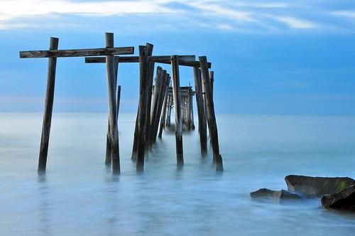 ocean longexposure sunrise dawn pier newjersey nj oceancity atlanticocean fishingpier d90 capemaycounty