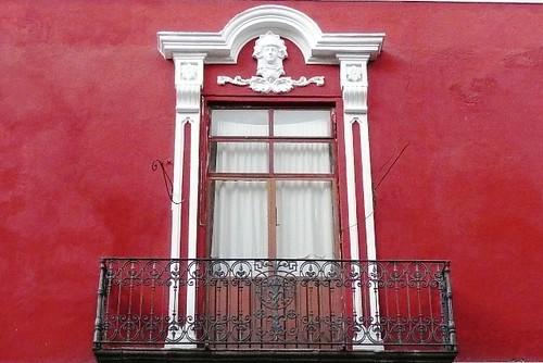 Puebla - Una ventana mas colorada que blanca