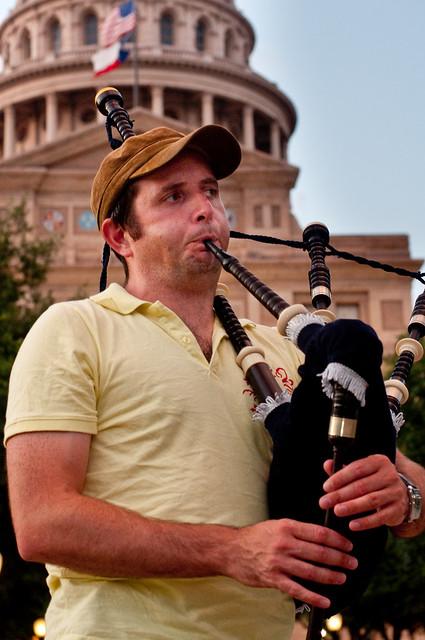 Rob Calder, Bagpipe Busker
