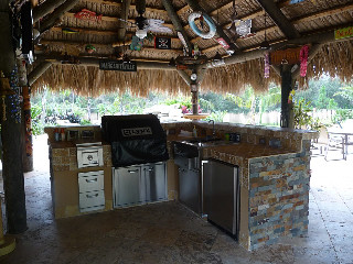 Thatch-Roof Outdoor Kitchen Florida | When I think of Florid ...