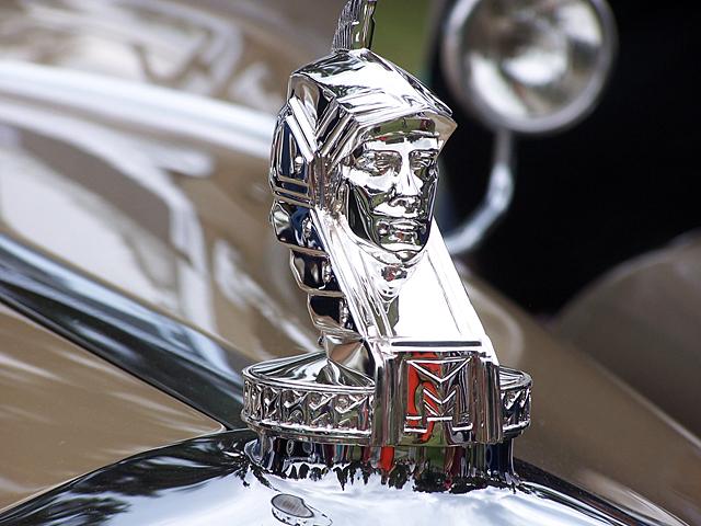 1930 Minerva ornament