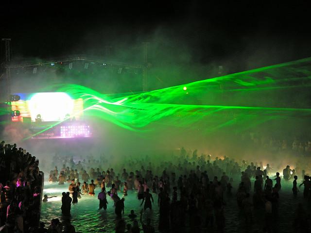 NiteRise Beachball Party 2009.06.27 - laser show 01