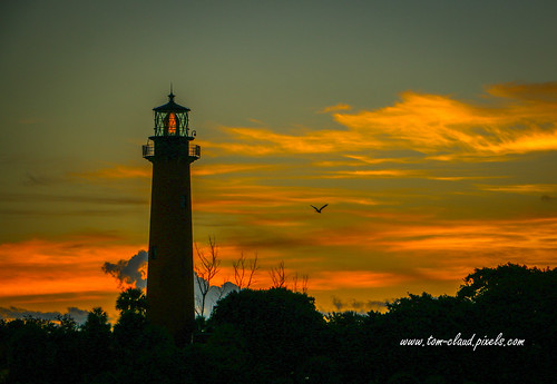 sun sunrise morning dawn lighthouse jupiterlighthouse silouette nature landscape jupiter florida usa outdoors outside outdoor architecture sky
