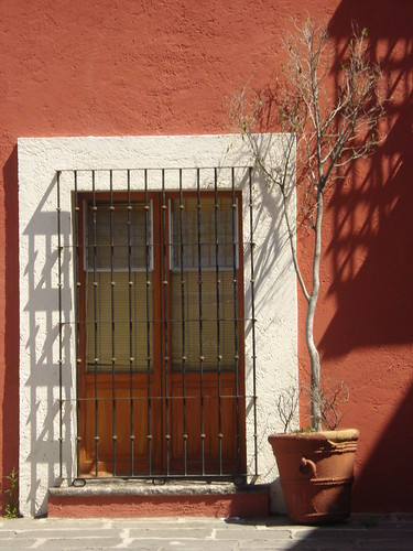 Puerta en el Barrio del artista