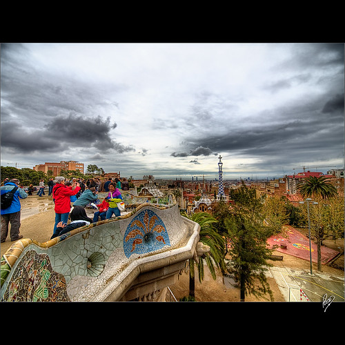 barcelona city sky people urban colors clouds cityscape gente ciudad colores explore cielo nubes urbano parcguell 2009 hdr urbanscape paisajeurbano efh elfactorhumano 5xp thehumanfactor pacoct