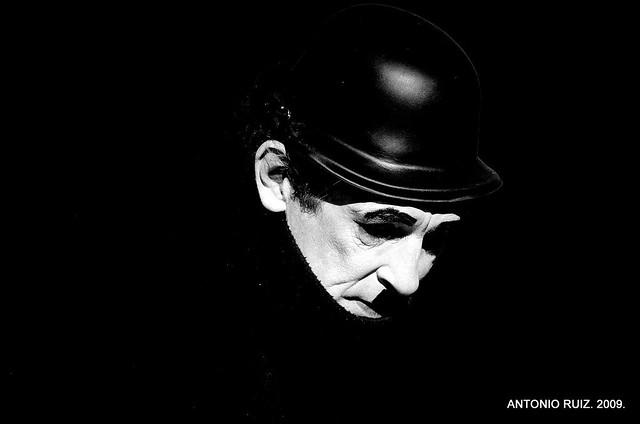 La tristeza del mimo. The sad mime.