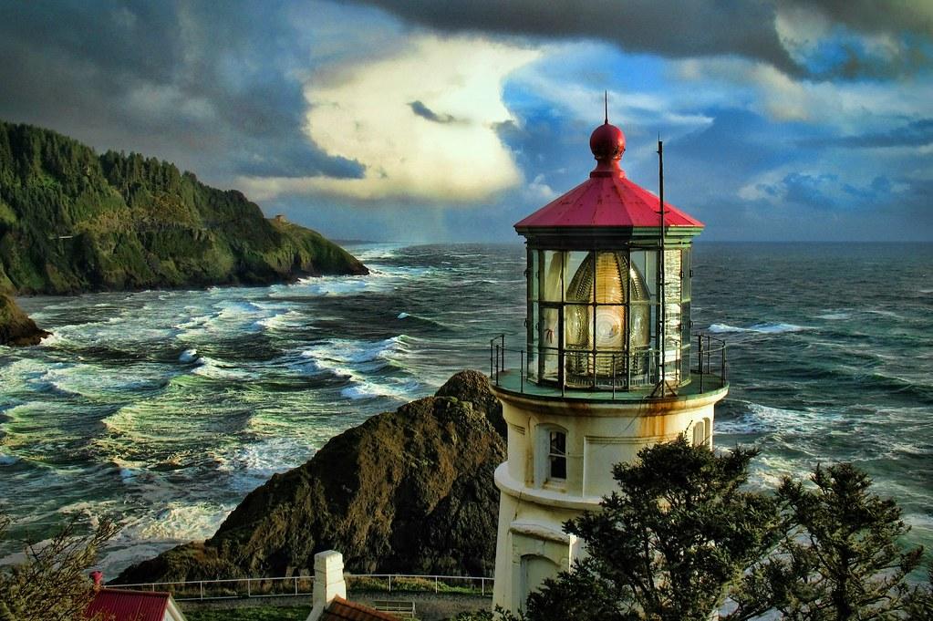 After the Storm Heceta Head Lighthouse | www davidrironsjrph