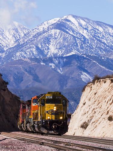 california canon outdoors socal canondslr bnsf locomotives cajon railroads atsf cajonpass alltrains movingtrains sbcusa alltypesoftransport aphotographersnature