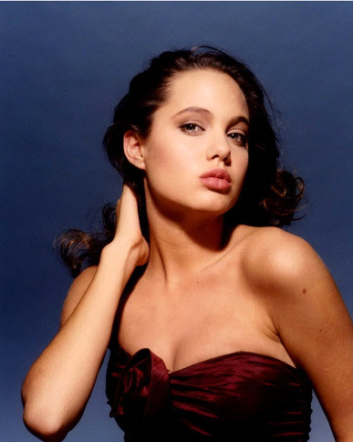 Angelina Jolie Young Modeling | Angelina at age 16 modeling