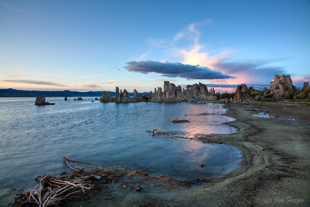 Scalloped Shoreline - Mono Lake by Jim Frazee