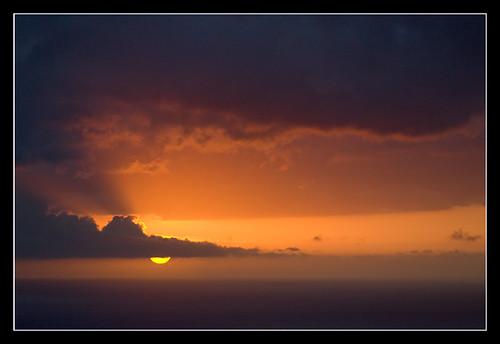 ocean sunset sea sky cloud mer soleil indianocean ciel nuage réunion coucherdesoleil reu laréunion océan iledelaréunion 105mmf28 reunionisland nikond200 océanindien îledelaréunion mascareignes îlebourbon bourbonisland lesmascareignes archipeldesmascareignes dsc4188nef