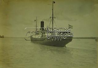 Vertrek SS Oranje Nassau   by Stichting Surinaams Museum