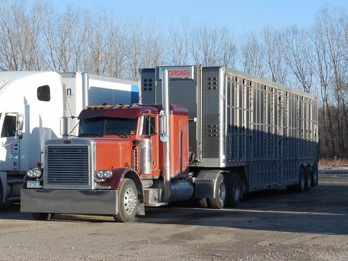 peterbilt livestockvan