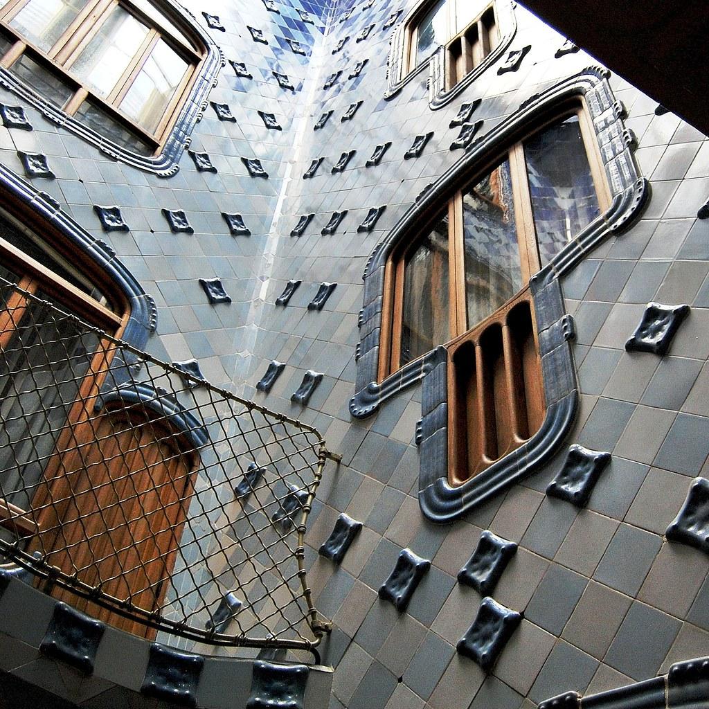 Casa Batlló Patio Interior B 13715 Casa Batlló Paseo De Gr