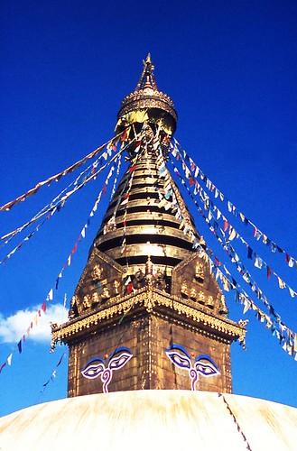 trip travel nepal temple asia asien stupa viagem kathmandu katmandu ferien vacaciones ferias reise tempel swayambhu buddhismus hinduismus affentempel svayambhu bestflickrphotography