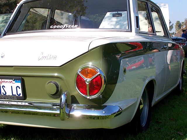 Cortina rear