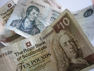 Scottish five and ten pound notes | by HowardLake