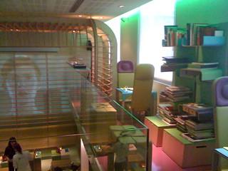 Hi Hotel > Matali Crasset - Nice : restaurant & salon
