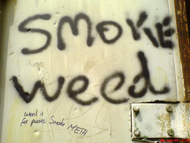Drug Advice Graffiti Cottenham June 2009