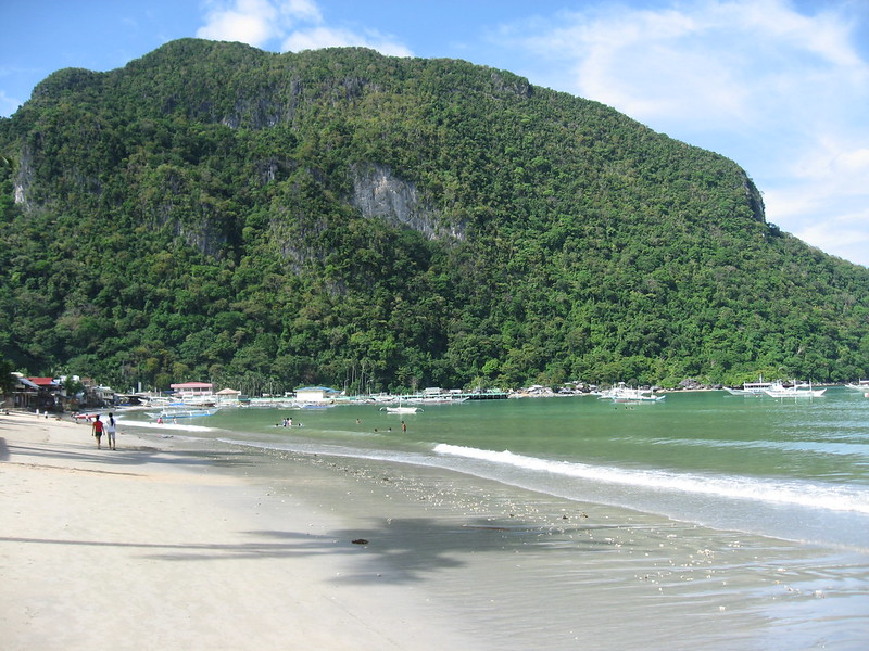 El Nido town beach at low tide