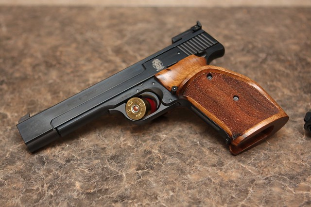 Smith & Wesson Model 41 | with Nill grip | Luke Pierce | Flickr
