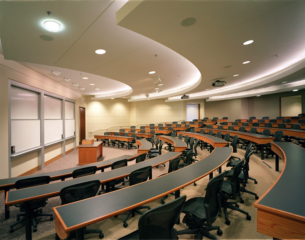 Stanford Law School Classrooms by MKThink | Photo credit: Mi