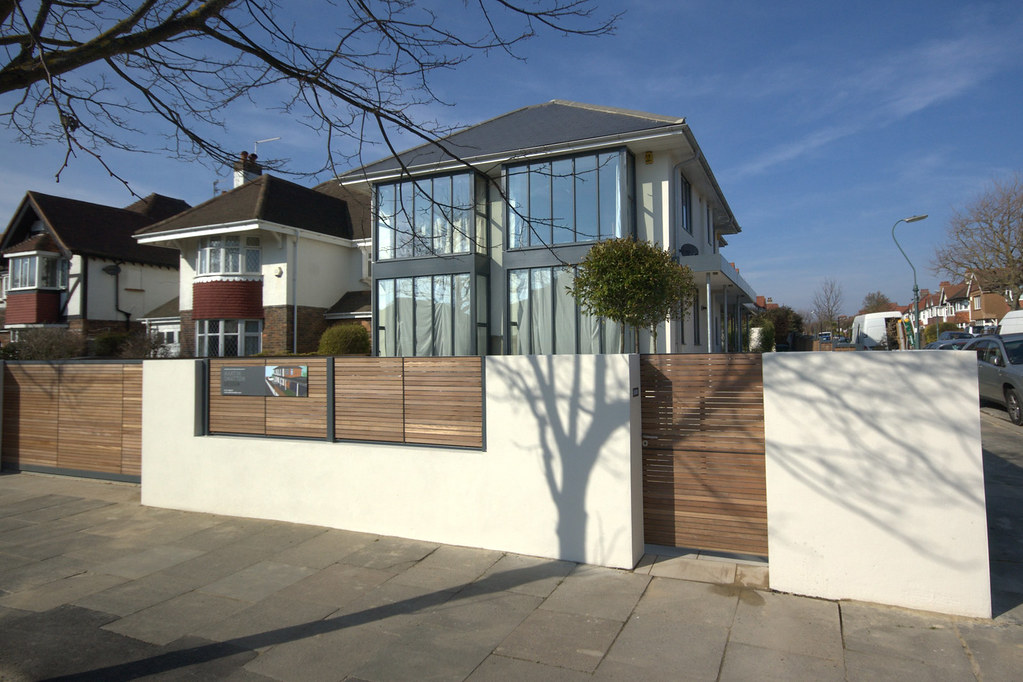 Hove House Front Elevation New Look For Boundary Wall With