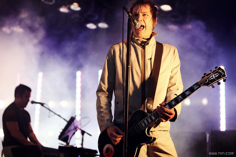 Nine Inch Nails live @ Starlight Theatre, Kansas City, MO, 5.27.09
